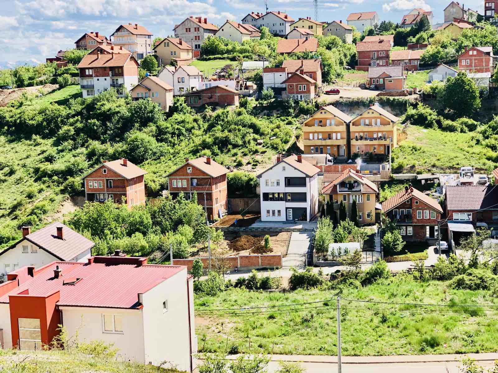 Shitet 24 Ari Te Bunari Hajratit Prishtinë