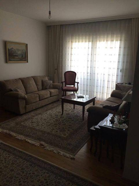 Shitet banesa 2 dhomëshe 48m2 kati 4 në lagjen Kalabri