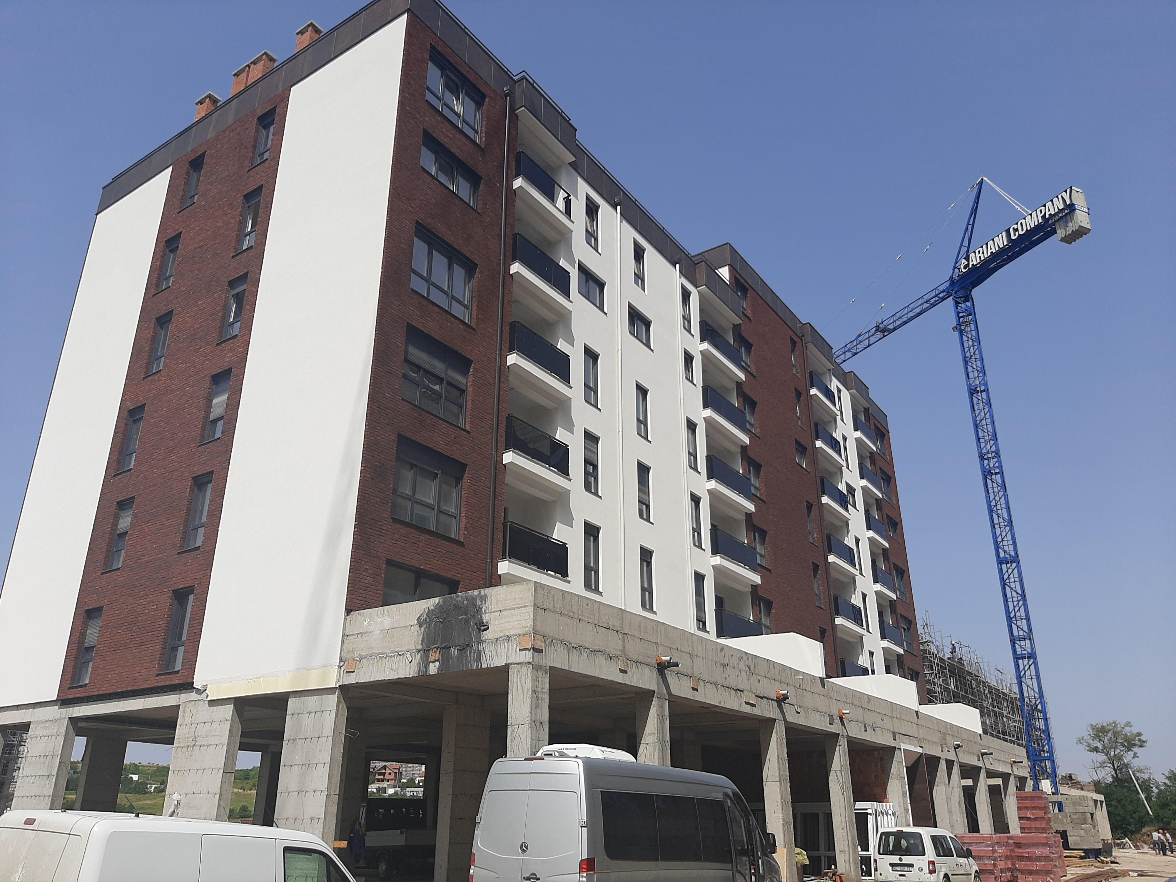 Shitet banesa 3 dhomshe 81m2 kati 5 Lagja e Spitalit