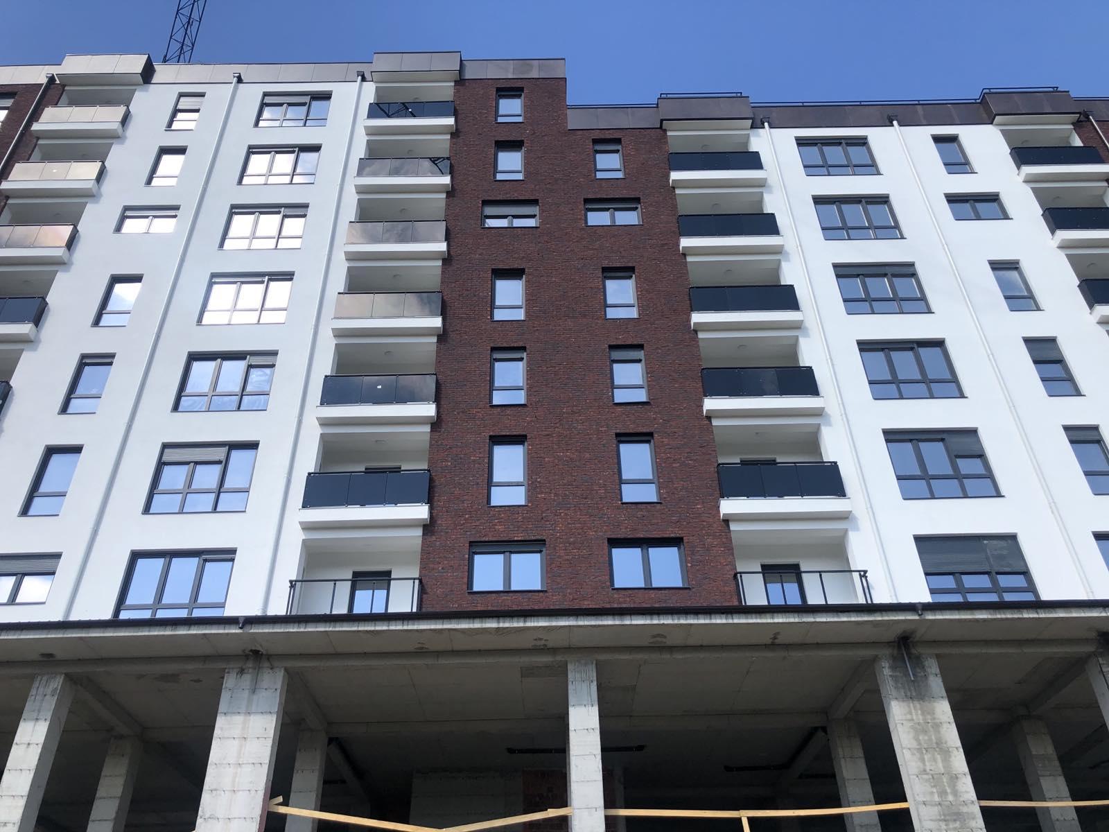 Shitet banesa 3 dhomshe 86m2 kati 4 Lagja e Spitalit